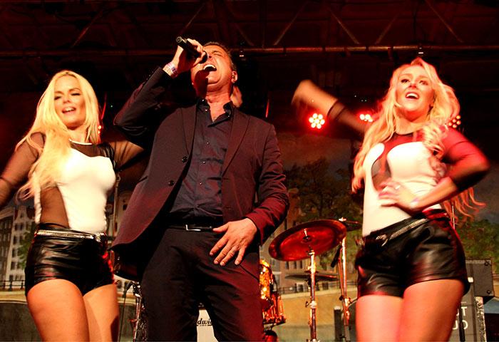 Optreden Mick Harren op zondag 21-9, tijdens Jordaan Festival 2014